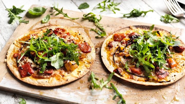 simple_tortilla_pizza_67372_16x9